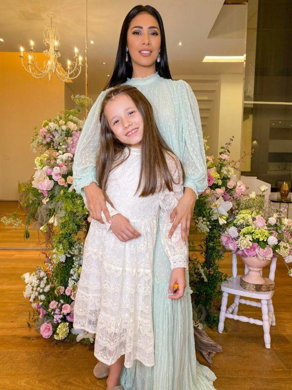 Filha de Simaria dá resposta inusitada ao ser questionada sobre a mãe solteira