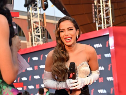 MTV VMA: Anitta fala sobre a intensidade dos fãs no tapete vermelho